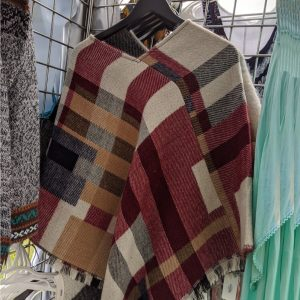 Alpamowi - Chicago Artisan Market (poncho)